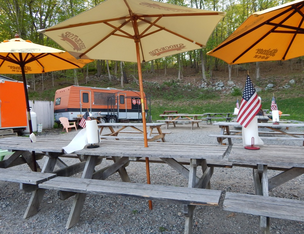 Roundup Texas BBQ Cold Spring Outdoor Dining Room