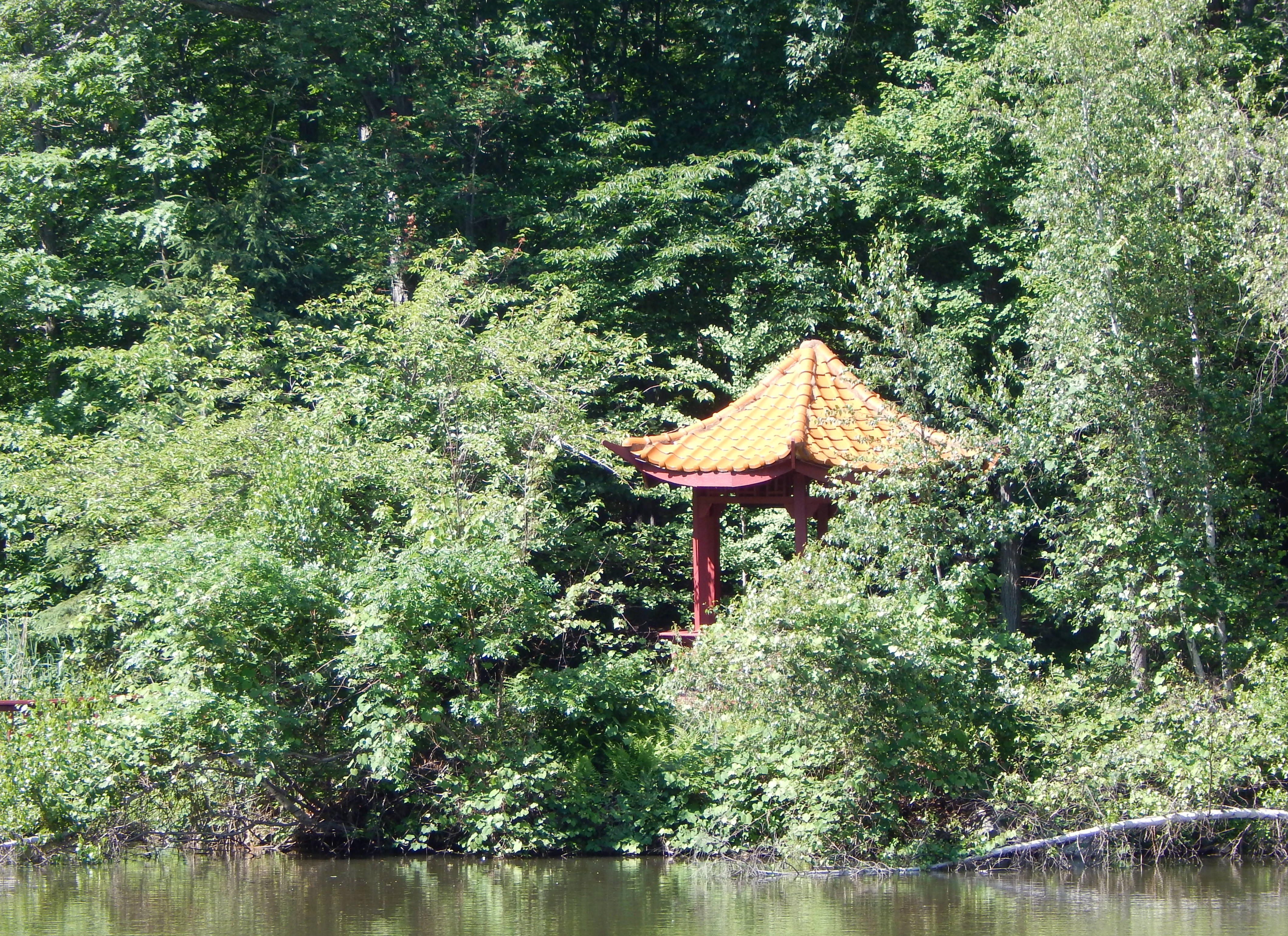 Chuang Yen Monastery Seven Jewels Lake pagoda