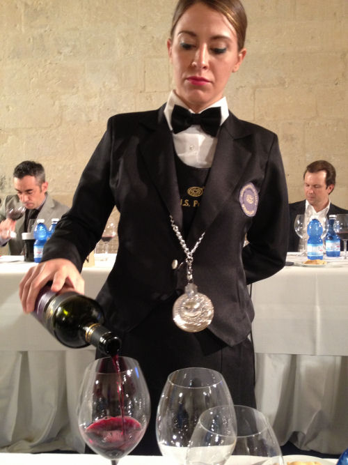 beautiful-sommelier-500